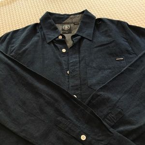 Men's Volcom button down shirt
